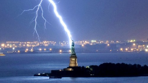 lightning_strike_storm_statue_of_liberty_3