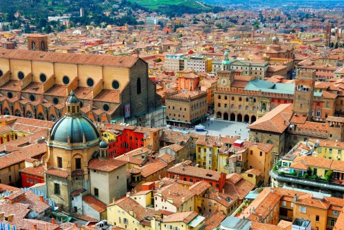 Bologna-piazza-maggiore-veduta-aerea-copia-1140x763