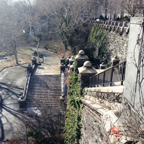 Morningside_Park_stairs_to_Carl_Schurz_Monument